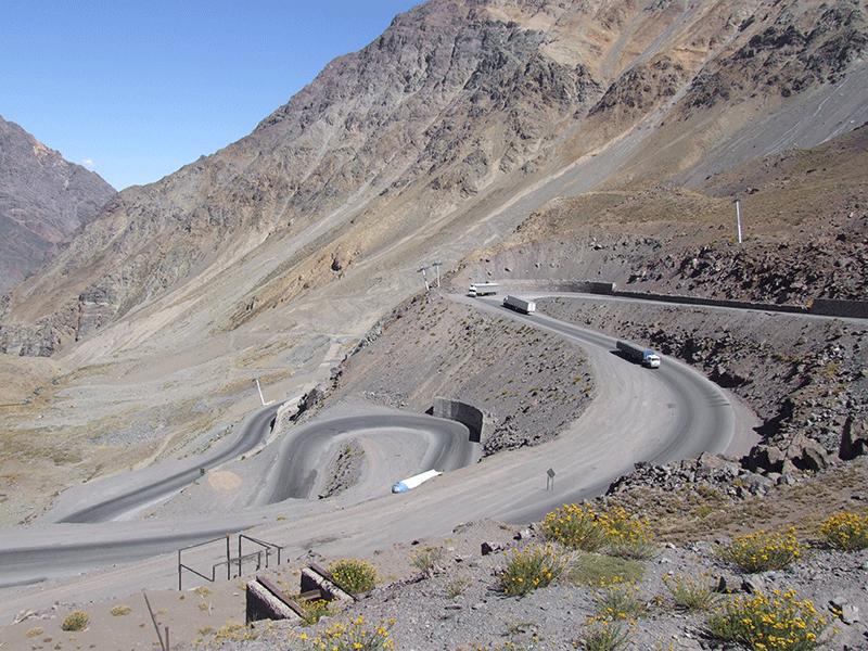 Los Caracoles hinunter nach Chile